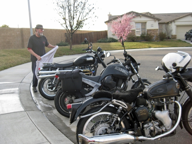 picture of Ron and the bikes I was riding with.