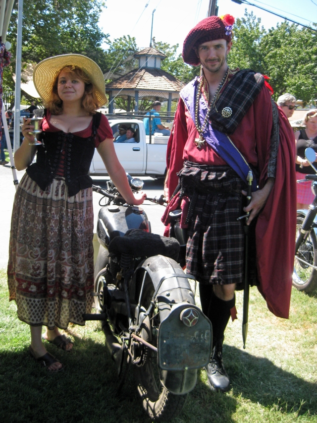 Couple from the Living History group check out the GTP